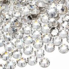 Balti svarovskij kristalai nagų dekoravimui